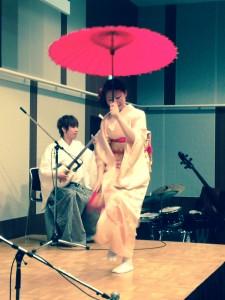 国際学会懇親会 津軽三味線演奏 手踊り